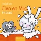 Fien en Milo. In bad