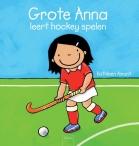 Grote Anna leert hockey spelen